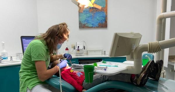 ドイツの子供 歯科クリーニング